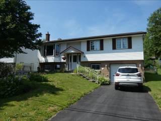 8 Dorothea Drive, Dartmouth, NS B2W 2E6