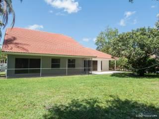 5147 Nw 51St Ct, Coconut Creek, FL 33073