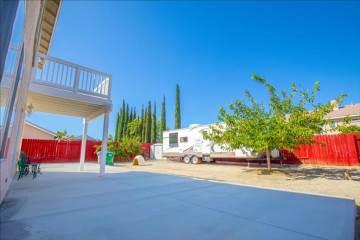 37657 Simi St, Palmdale, CA 93552