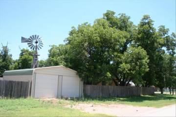 816 5Th Street, Sterling City, TX 76951