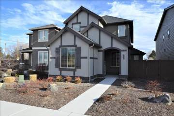 Photo of 3130 SW 28th St  Redmond  OR