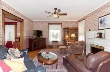 1907 Riverside Ave, Marinette, WI 54143