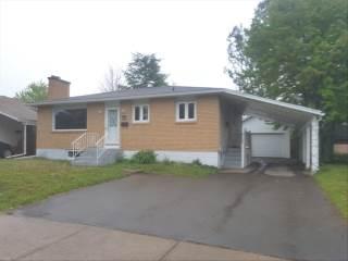 207 Ayer Ave, Moncton, NB E1C 8H1