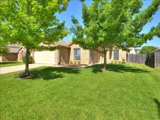 1406 Pearsall, Hutto, TX 78634