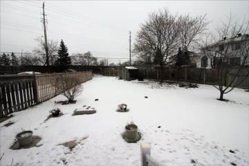 143 Hunterswood Cres, Ottawa, ON K1G 4K1