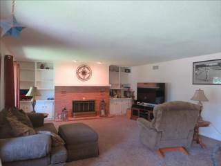 1103 Maple Ct, Waterville, OH 43566