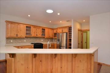 60832 Yellow Leaf St, Bend, OR 97702