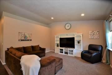 2388 Nw Glen Oak Ave, Redmond, OR 97756