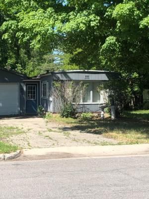 606 E Evergreen Avenue, Olivia, MN 56277