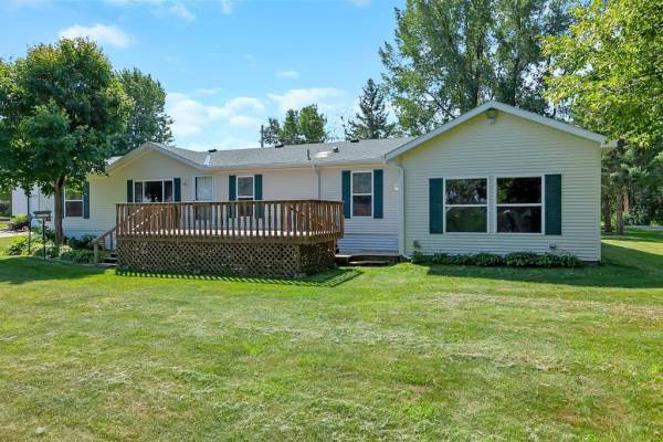 18454 Red Maple Drive, Albany, MN 56307