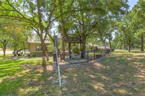 5104 Largo Drive, De Cordova, TX 76049