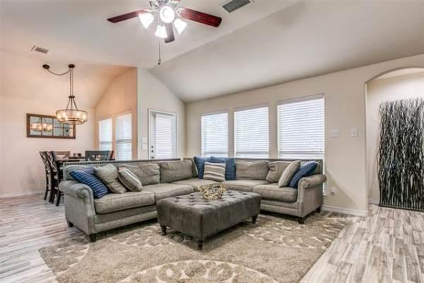 905 Meadowedge Lane, Denton, TX 76207