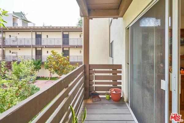 525 South Ardmore Avenue, Los Angeles (City), CA 90020