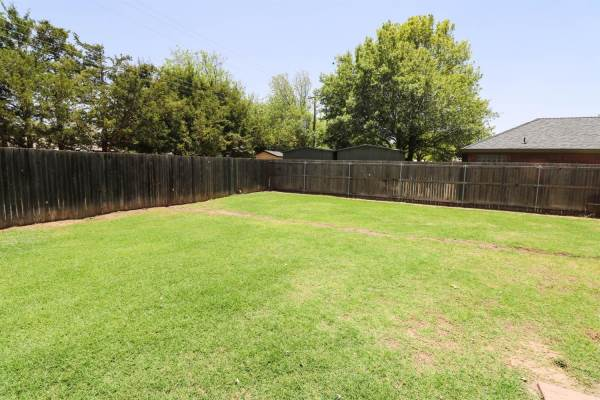 1704 Ave J, Abernathy, TX 79311