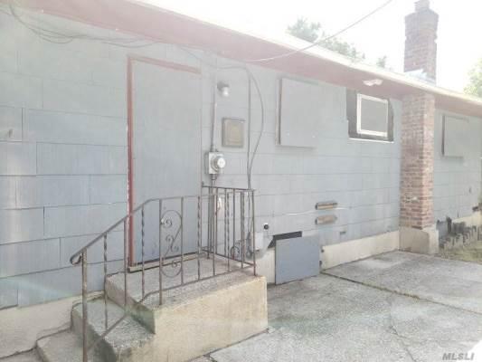 198 Mastic Blvd, Mastic, NY 11950