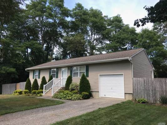132 Broad Ave, Aquebogue, NY 11931