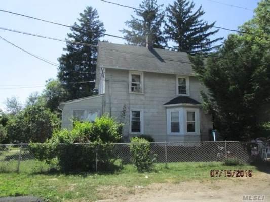 41 Brightside Ave, Central Islip, NY 11722