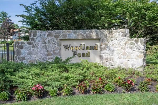 148 Woodlake Dr, Woodbury, NY 11797