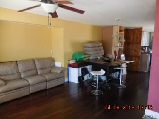 30 Pine St, Central Islip, NY 11722