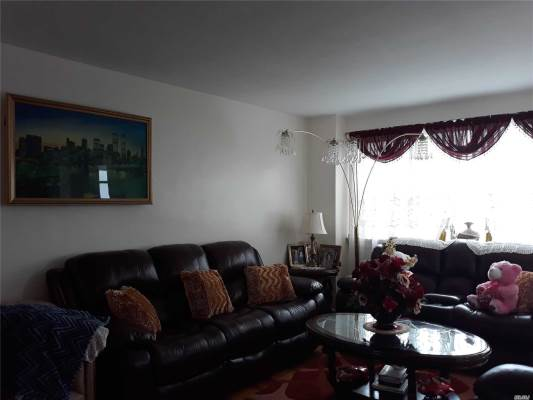 8900 170 St, Jamaica, NY 11432