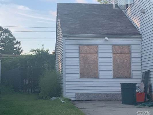574 Junard Blvd, W. Hempstead, NY 11552