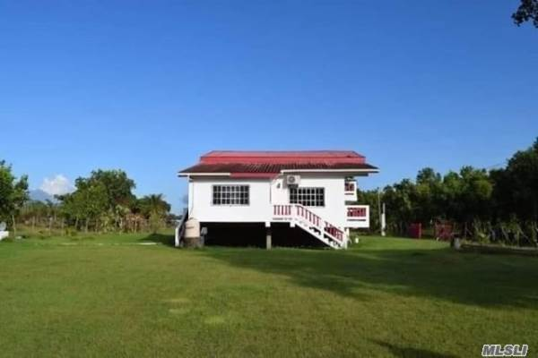 Bermudian Landing Village, Belize, NY 00000