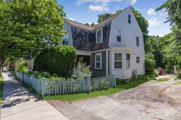 417 Front St, Greenport, NY 11944