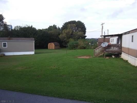 194 South Breezewood Rd, Breezewood, PA 15533