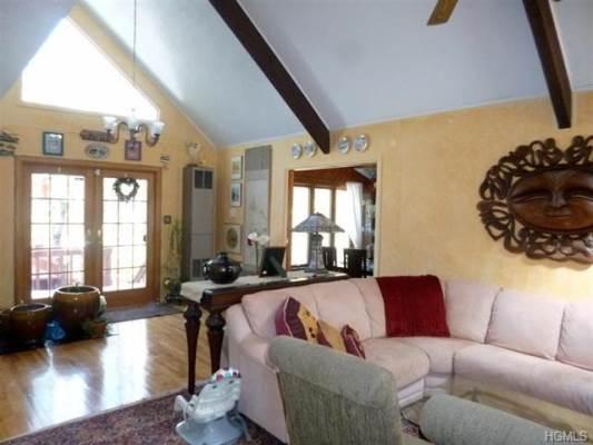120 East Lake Shore Drive, Rock Hill, NY 12775-6523