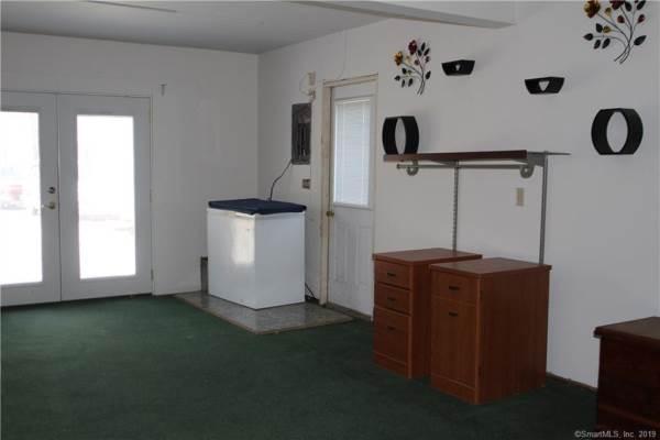 183 James Road, Voluntown, CT 06384