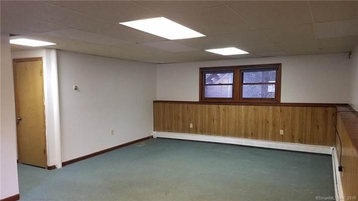 939 Old Colchester Road, Montville, CT 06370