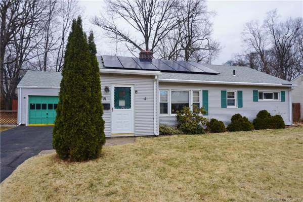 91 Green Manor Road, Manchester, CT 06042