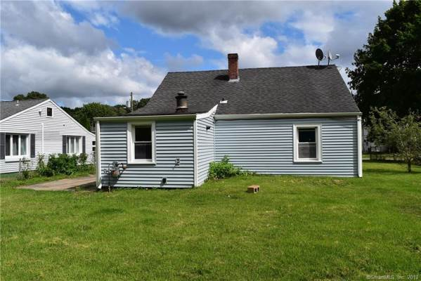 36 Woodlawn Avenue, Waterford, CT 06385