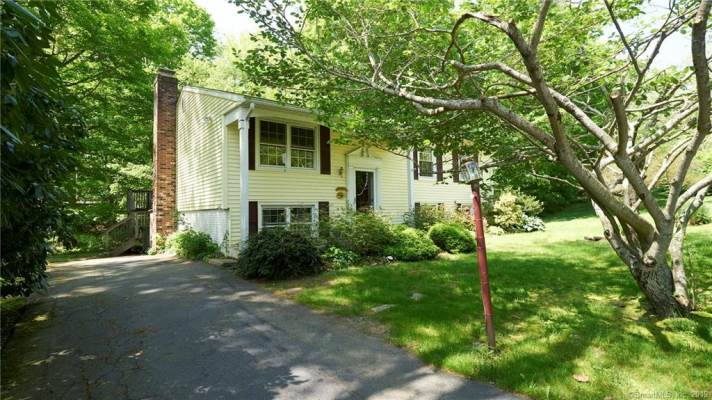 3 Brookside Drive, Clinton, CT 06413