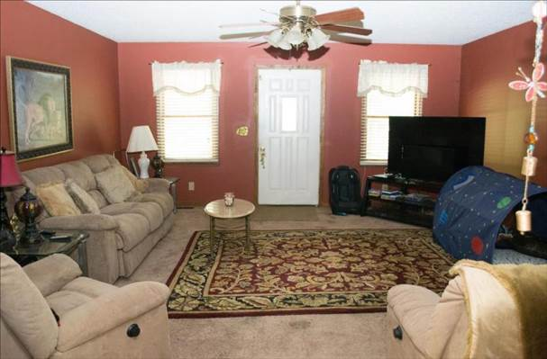 1112 Green Forest Dr, Coward, SC 29530