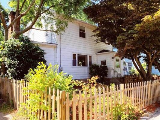 15 Sharaf Street, New London, CT 06320