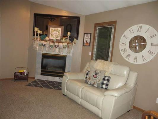 7262 Twin Lakes Rd, Perrysburg, OH 43551
