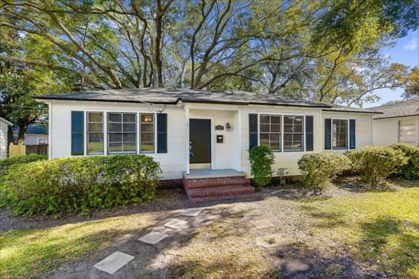 2157 Bedford Road, Jacksonville, FL 32207