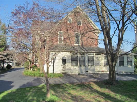 172 S Broad St, Nazareth, PA 18064