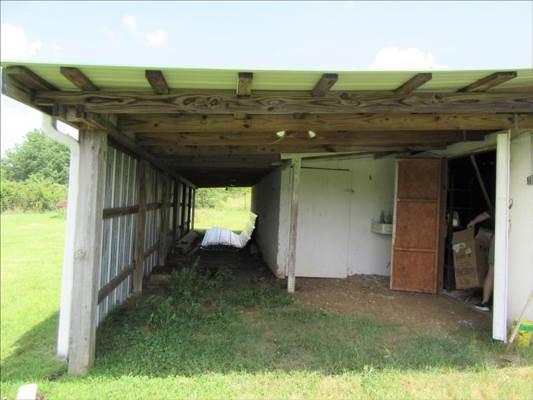 2812 Highway 47 N, White Bluff, TN 37187