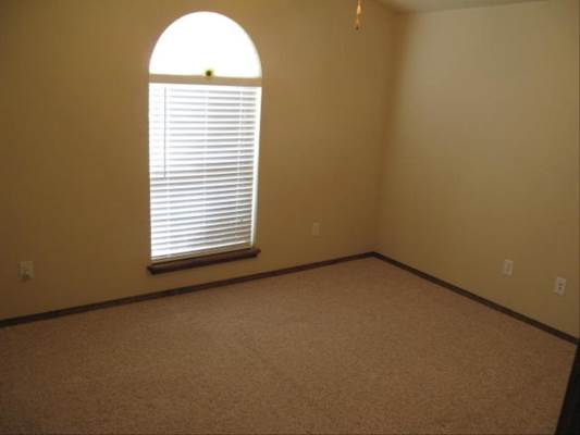 4002 Ross, Amarillo, TX 79118