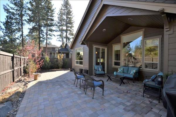 60203 Rolled Rock Way, Bend, OR 97702