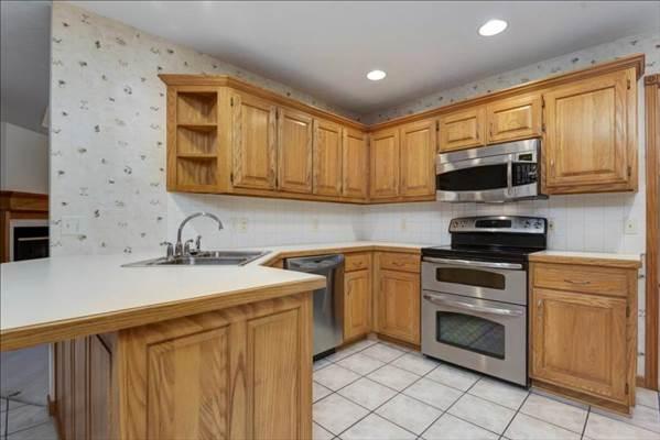 4589 South Warren Rd, Springfield, MO 65810